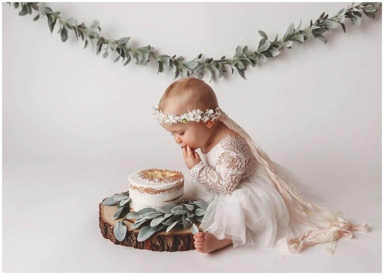 Awe Inspiring First Birthday Cake Smash 2020 Jessica Popovich Photography Funny Birthday Cards Online Necthendildamsfinfo